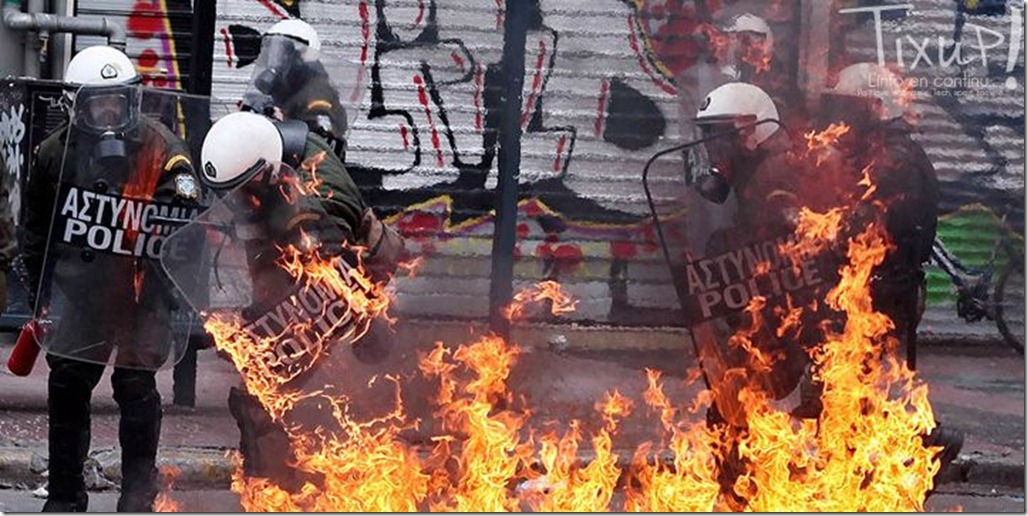 grece-manifestation-police-en-feu