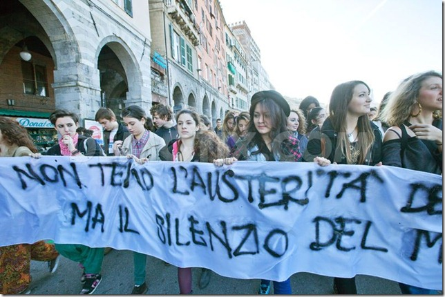 1352908281-students-of-genoa-protest-against-austerity-measures_1596519