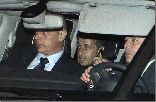 Nicolas Sarkozy quitte le palais de justice de Bordeaux le 22 novembre 2012 BOB EDME/AP/SIPA